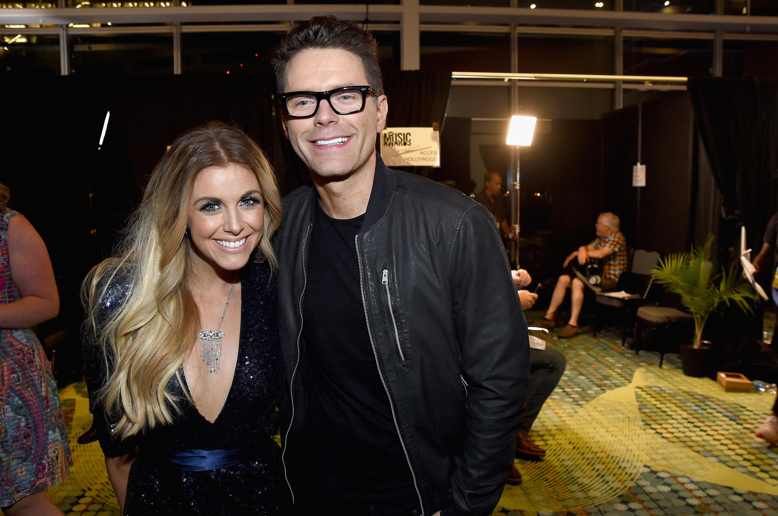 Bobby Broke The News Bobby And Lindsay Ell Are No -7998