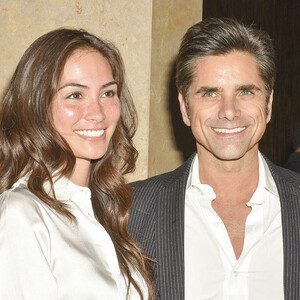 John Stamos Is Engaged to GF Caitlin McHugh!