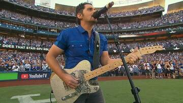 Jim Show - Brad Paisley Sings The National Anthem for Game 2