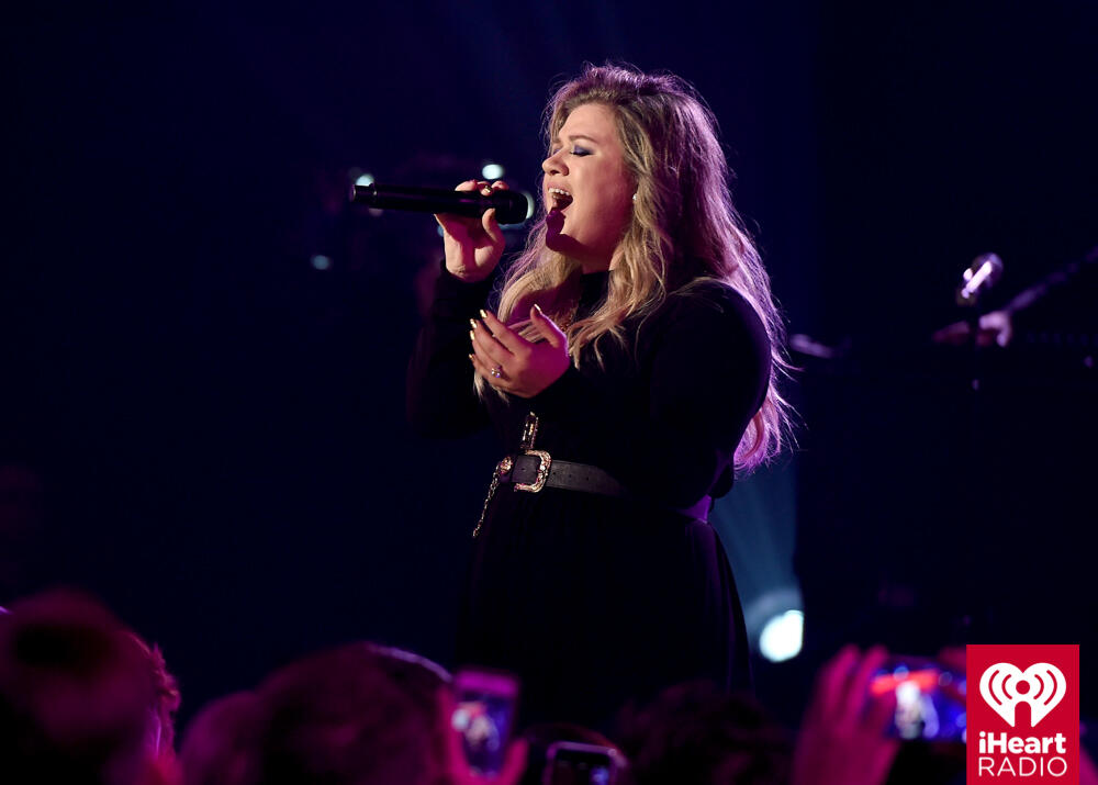Kelly Clarkson performs onstage during the iHeartRadio Album Release Party with Kelly Clarkson at the iHeartRadio Theater on October 27, 2017 in Los Angeles.  <p><span style=