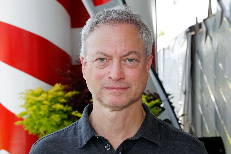 Gary Sinise Named 2018's Tournament of Roses Parade Grand ...