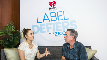 Elvis Duran - Break The Mold With Miley Cyrus & More In The 'Label Defiers' Podcast