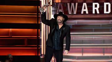 Bobby Bones - LISTEN: Garth Brooks Calls Into Bobby Bones Show After Winning EOTY At CMAs