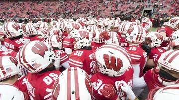 Wisconsin Sports - Wisconsin Badgers players react to win over Illinois on Homecoming