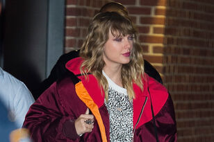 Taylor Swift Went To Target To Buy 'reputation' & Surprise Shoppers