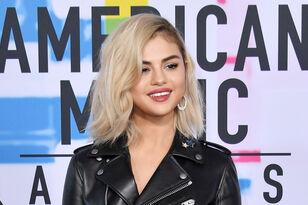 Selena Gomez Debuts Platinum Blonde For The 2017 American Music Awards!