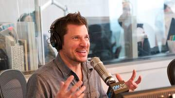 Interviews - Nick Lachey Jokes About His Baggy Clothes Style: 'I'm So Far Behind'