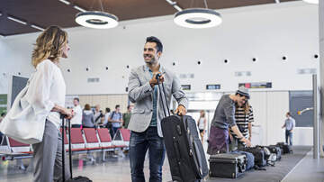 Keith Allen - Trick Will Ensure Your Luggage Is The First To Come Off The Plane