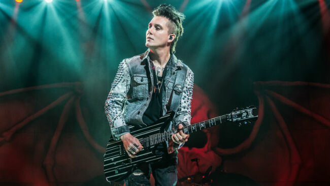 Avenged Sevenfold's Synyster Gates To Open Free Online