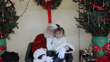 Photos - Toy Hill Weekend - Santa Photos (Gallery 1)
