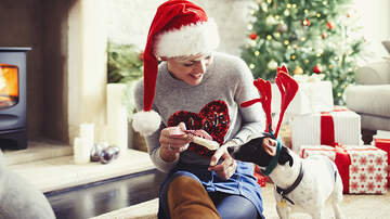 Elvis Duran - How Do You Pick A Thoughtful Holiday Gift?