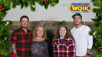 Photos - Love and Theft Meet & Greets: Jingle Jam