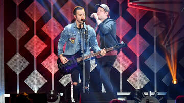Jingle Ball - Fall Out Boy's Jingle Ball Set Had Twitter Exploding With Nostalgia