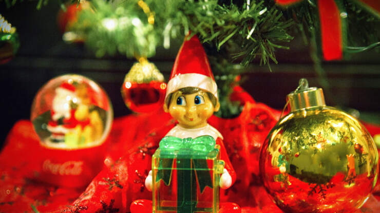 This Mom Created Elf On The Shelf Kits For Busy Families!