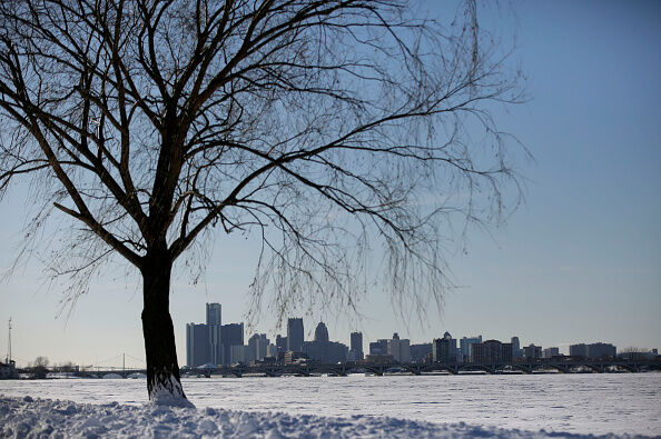 The Metro is bracing for up to 8 inches of snow today.