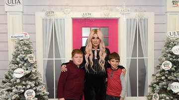 Jingle Ball - Kesha #KISSFMJingleBall Meet and Greet