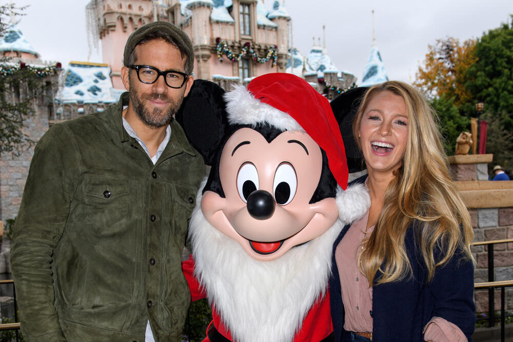 PHOTOS: 17 Celebs\' Holiday Traditions | iHeartRadio