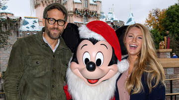 KOST Articles - 20 Celebrity Holiday Traditions