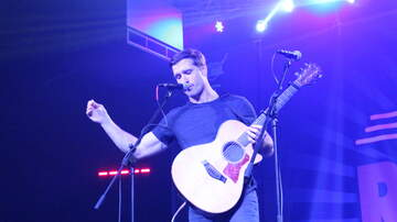 Free Range Bull Series - Walker Hayes Stage Photos & Video