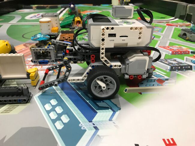 Waukee team robot had highest score in November competition