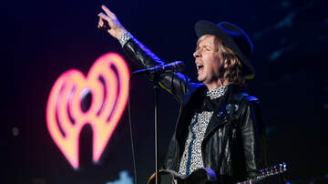 ALTer EGO - Beck Makes Glorious Return To LA With Dance-Fueled Performance at ALTer EGO