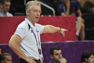 Assistant coach Joe Prunty to take over as interim Bucks head coach
