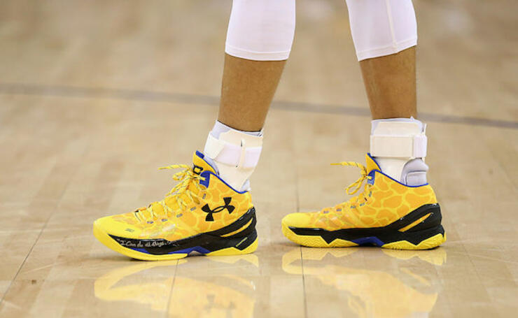 sports shoes 04dcf 93439 5 Of The Smallest Feet In The NBA | iHeartRadio