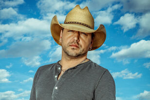 "EXCLUSIVE: Jason Aldean Talks New Single ""You Make It Easy"""