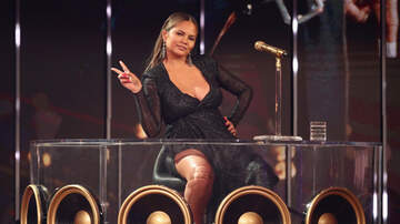 Caught on Camera - 20 Times Chrissy Teigen Was Hilarious