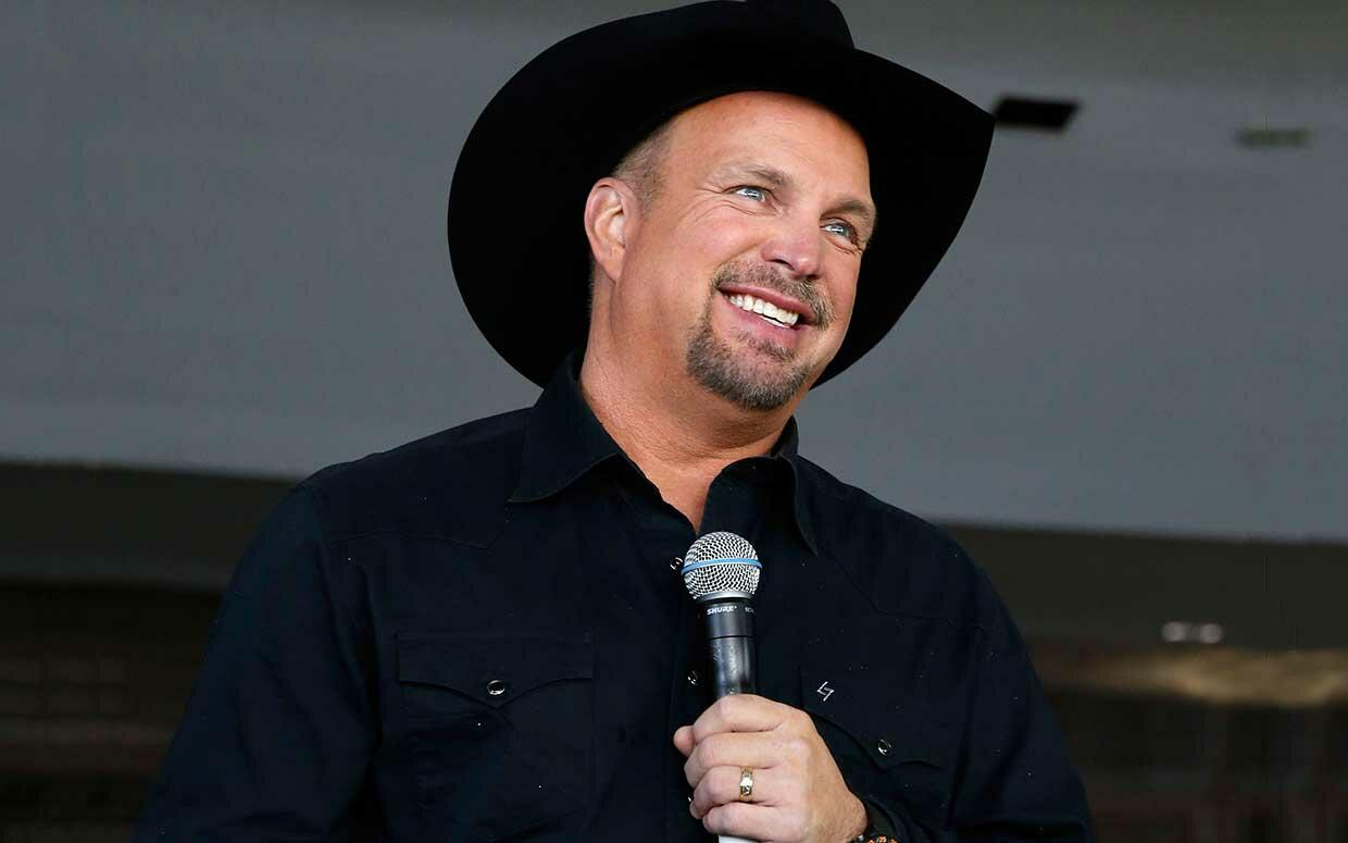Listen to Garth Brooks Radio free! Stream songs by Garth Brooks amp similar artists plus get the latest info on Garth Brooks!