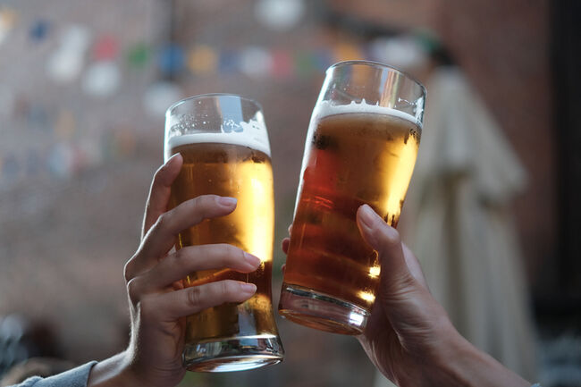 Cheers - GettyImages-736280003