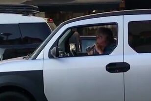 Guy in Traffic Absolutely ROCKS his Recorder