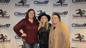 Photos: Cities 97 Studio C - PHOTOS: ZZ Ward in Cities 97 Studio C