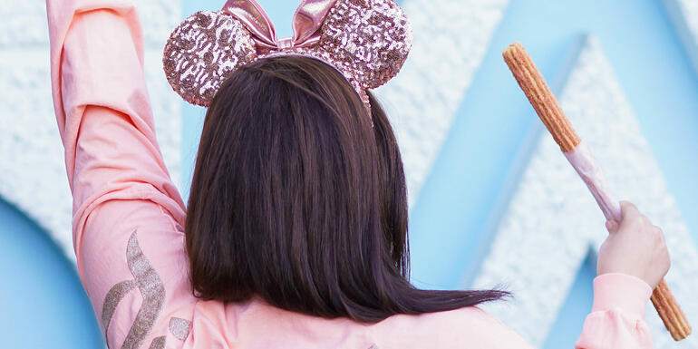 Strawberry Rose Gold Churros Are Now On Sale at Disneyland & We Need One!