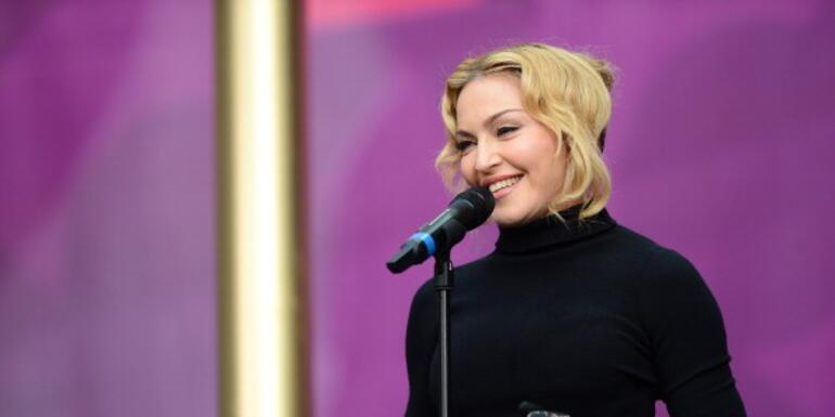 Madonna's New Bathroom Selfie Raising Eyebrows