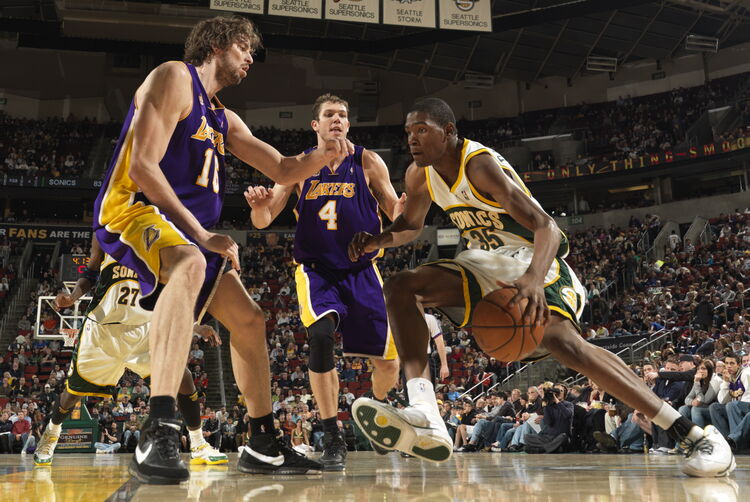 Los Angeles Lakers v Seattle SuperSonics