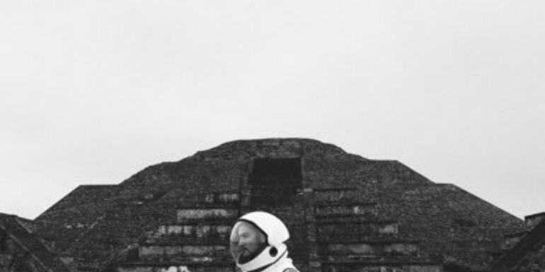 .@Towkio goes to space...no REALLY....to drop new album WWW (Out Now!)