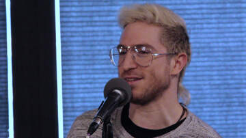 GARAGE SESSIONS - 933 GARAGE: Walk The Moon - February 20, 2018