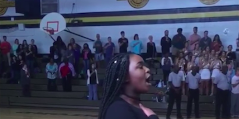 Teen Slays National Anthem With No Mic, Stuns Crowd