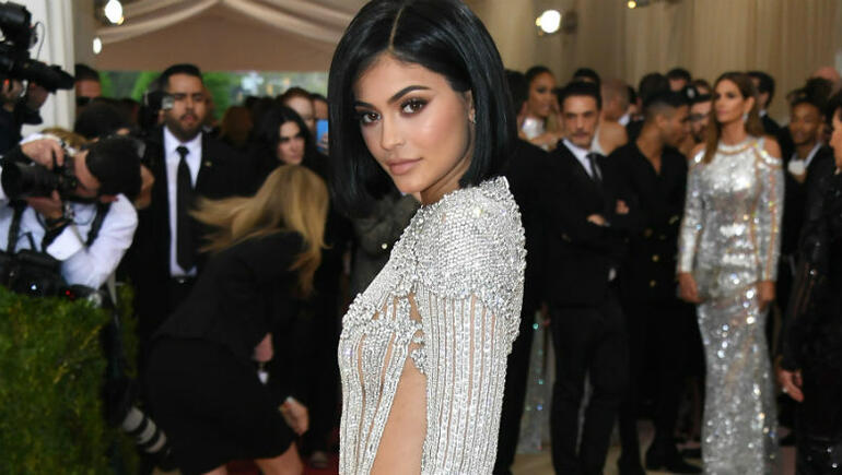 Kylie Jenner Reveals First Selfies With Adorable Daughter Stormi Webster