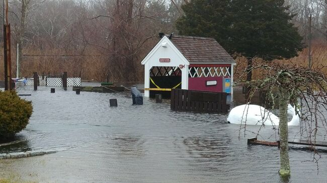 Flooded Structure in Sandwich (Credit: Doug Cope/WBZ NewsRadio1030)