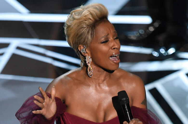 """Mary J. Blige Gives Emotional """"Mighty River"""" Performance at Oscars"""