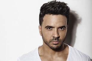 Luis Fonsi Wins iHeartRadio Music Award for Latin Artist of the Year