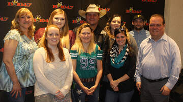 Pit Stop Performance Studio (494476) - B104.7's iHeartCountry Session: Shane Owens