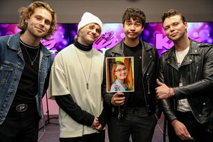 Photos: 5SOS Meet & Greet