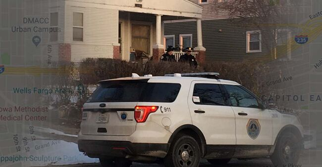 Police investigate after man killed in Des Moines. Photo by Wendy Wilde