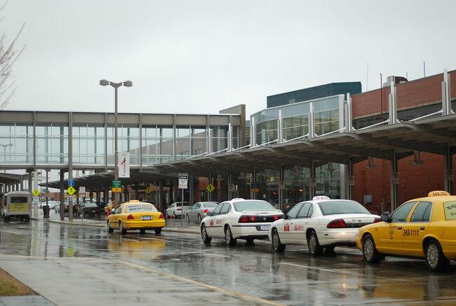 Des Moines Airport