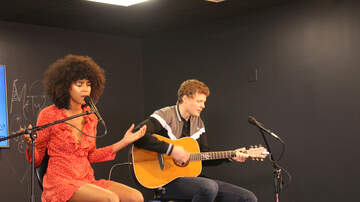 Toyota Live Music Lounge Blog (50355) - Arlissa in The Toyota Live Music Lounge