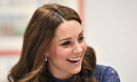 Weird, Odd and Bizarre News - An Optical Illusion Of Kate Middleton's Fingers Has Britain In A Tizzy