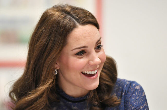 An Optical Illusion Of Kate Middleton's Fingers Has Britain In A Tizzy